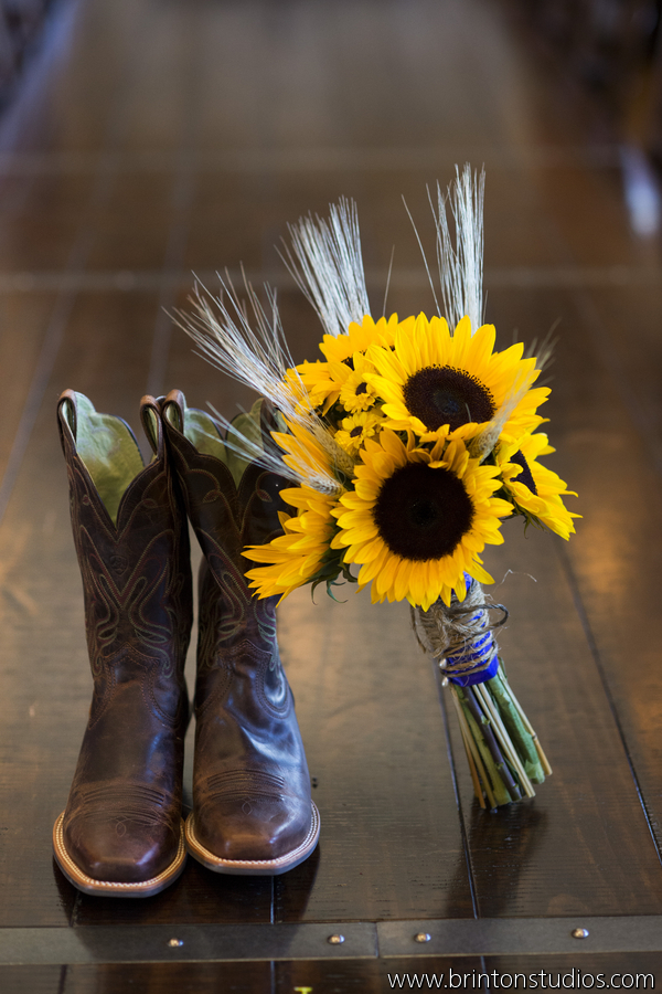 Sunflowers Burlap Amp Camels A Fun Rustic Farm Wedding At