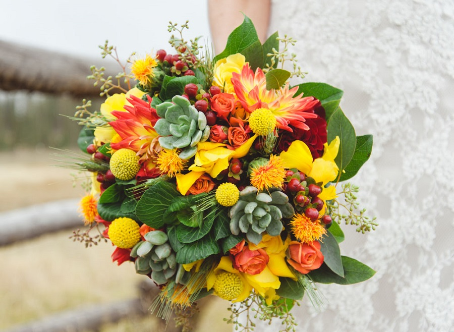 Snowy ride in orange heels a fall mountain wedding at for Bouquet de fleurs wine