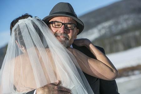 Father-daughter hug, David Lynn Photography