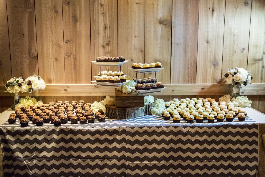 Cupcake dessert bar, David Lynn Photography