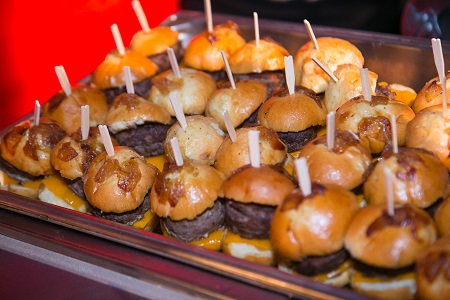Mini-sliders from Epicurean Catering, Jared Wilson Photography